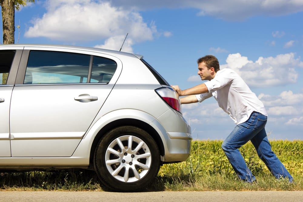 Você está empurrando seu carro, dirigindo ou é apenas passageiro?